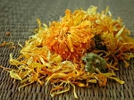 Calendula Flowers Whole, North American  - Certified Organic & Kosher Certified 1 OZ