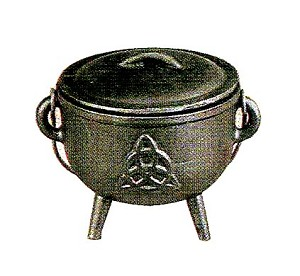 TRIQUETRA CAULDRON MEDIUM